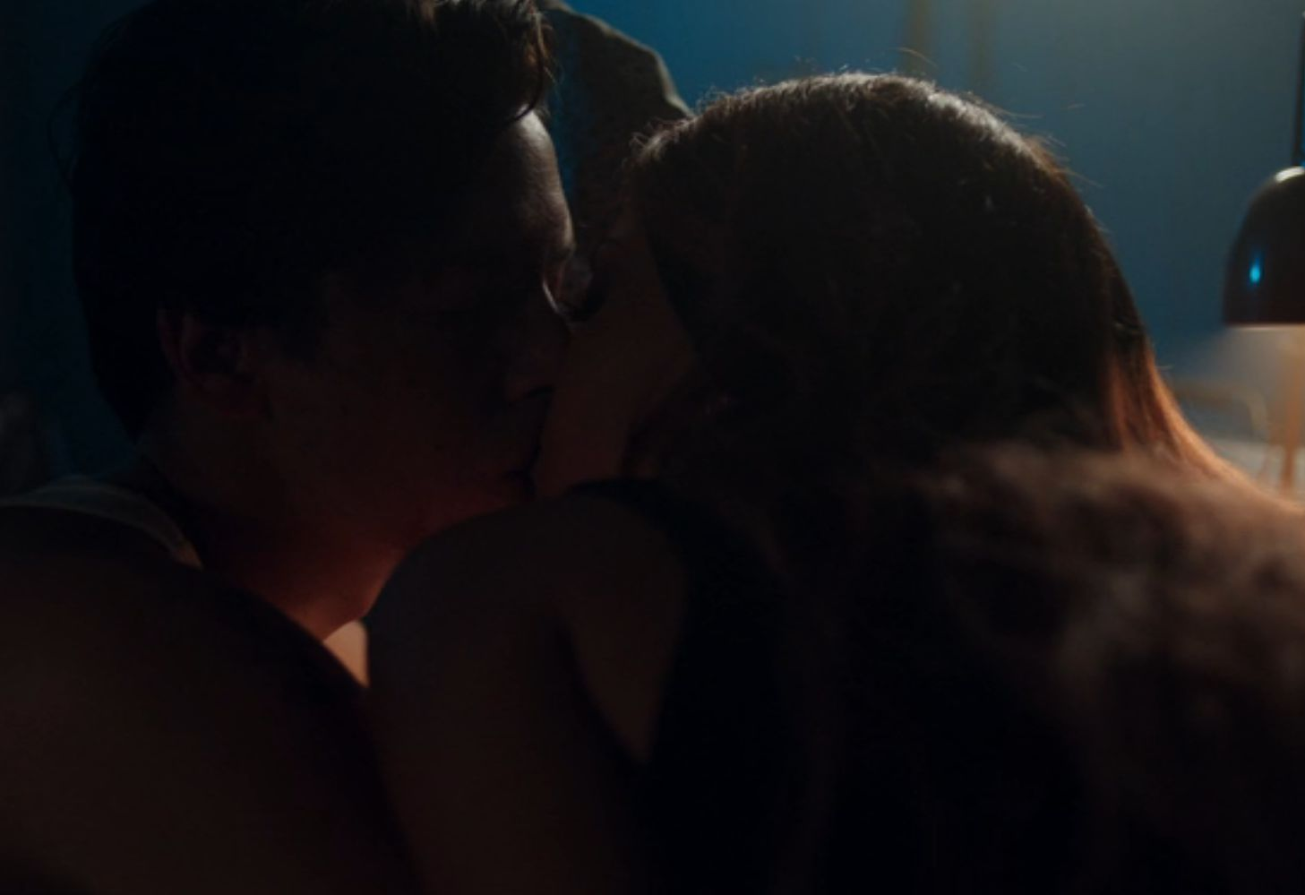 Toni and Jughead kissing (CW / Riverdale)