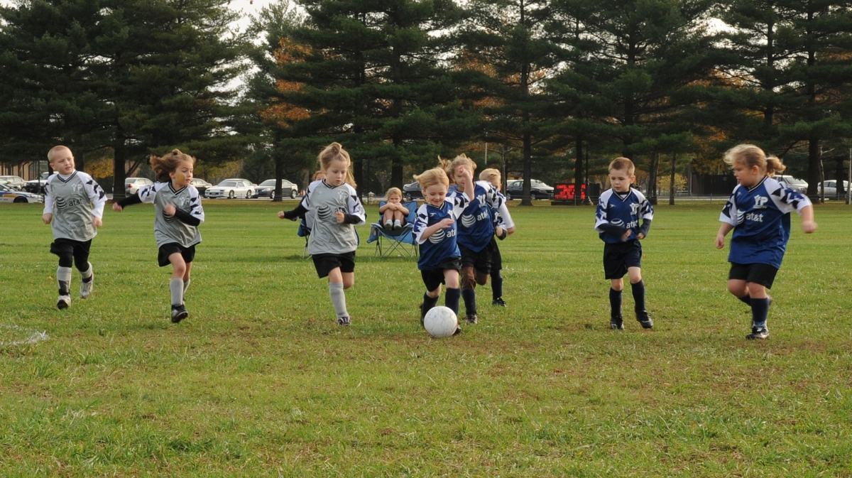 Should kids play more than one sport as they grow up?
